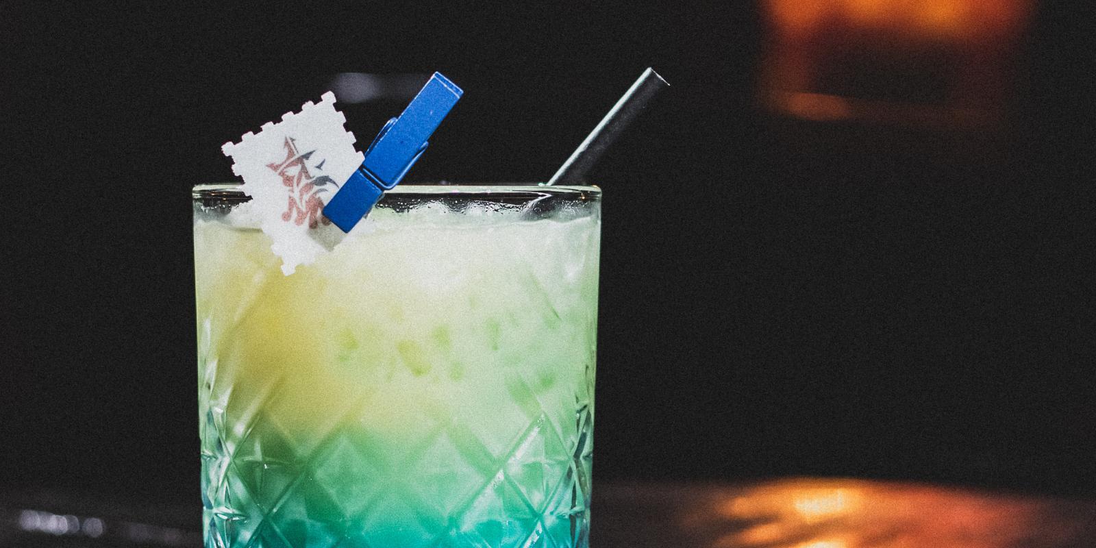 Image décrivant le produit Blue Hawaiian qui fait partie des Cocktails